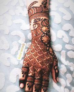 Get Amazing Collection of Full Hand Mehndi Design Ideas here. Latest Bridal Mehndi Designs, Full Hand Mehndi Designs, Legs Mehndi Design, Henna Art Designs, Mehndi Designs For Girls, Mehndi Designs For Beginners, Modern Mehndi Designs, Mehndi Design Photos, Dulhan Mehndi Designs