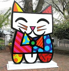 """Squeaki"" by self-taught Brazilian Pop Art Artitst Romero Britto. -tart pastry-"
