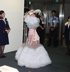 FOTOS HQ: Lady Gaga en el aeropuerto Narita, en Tokio, Japón : Hey Lady Gaga