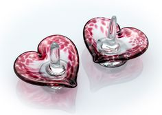 Heart Ring Holder by Frost Glass. American Made. See the designer's work at the 2015 American Made Show, Washington DC. January 16-19, 2015. americanmadeshow.com #ringholder, #heart, #glass, #artglass, #americanmade