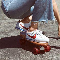 Nike Classic Cortez Leather SE Genç Çocuk Ayakkabısı