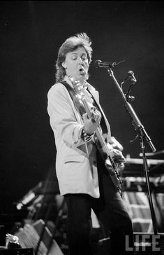 Rock on Macca! Beatles Songs, The Beatles, Paul Mccartney, Sir Paul, My First Crush, The Fab Four, Black And White Photography, The Borrowers, American Walnut