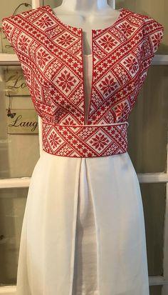 Long sleeve kimono / vest / jaket with embroidered pales .- Kimono sin mangas largas / chaleco / Jaket con bordado palestino / puntada de corss con cinturón Long sleeve kimono / vest / jaket with embroidery image 9 - Fancy Blouse Designs, Designs For Dresses, Saree Blouse Designs, Myanmar Dress Design, Batik Fashion, Kurti Neck Designs, Dress Indian Style, Batik Dress, Embroidery Dress