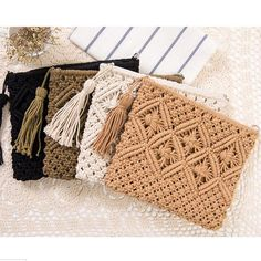 Cheap beach bag, Buy Quality clutch bag directly from China bag brand Suppliers: BEARBERRY 2017 high quality fashion women hollow out clutch bags brand tassel beach bags handmade kont message bags Crochet Fringe, Bead Crochet, Cute Crochet, Crochet Style, Arte Linear, Macrame Purse, Crochet Clutch, Diy Handbag, Boho Bags
