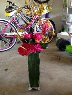 Large roses, protea, kangaroo paw