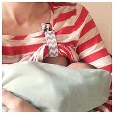 LatchPal Hands-Free Nursing Clip - Holds up Clothing to Make Breastfeeding and Pumping Easier, an Ideal Nursing Cover Accessory, Gray Chevron Pattern Best Nursing Cover, Nursing Covers, Nursing Cover Pattern, Nursing Tops, Diy Nursing Clothes, Nursing Clothing, Nursing Wear, Diy Bebe, Breastfeeding And Pumping