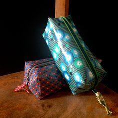 Tuto trousse tissu enduit pour conseils couture du tissu enduit voir ce lien  http://www. .com/b-a-b-a-pour-la-couture-du-tissu-enduit/