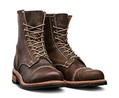 The Timberland Boot Company® Smuggler's Notch boots are inspired by what Prohibition-era bootleggers wore. Tims Boots, Timberland Boots Outfit, Timberland Boot Company, Timberland Mens, Timberland Waterproof Boots, Yellow Boots, Shoe Company, Leather Boots, Inspired