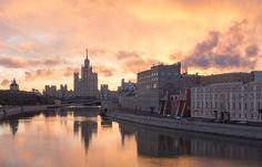 Евгения Лях / Sony SLt-A77 / город, режимный свет, вода
