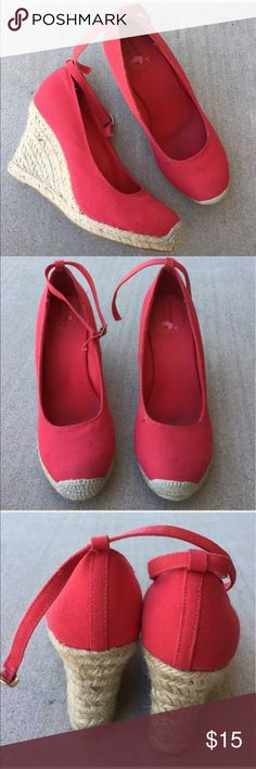 Sonoma red wedge espadrilles size 8 Gently worn , some peeling by label , heel is 4 inches , some slight wear inside as shown 🌟REASONABLE OFFERS ACCEPTED🌟 Sonoma Shoes Wedges