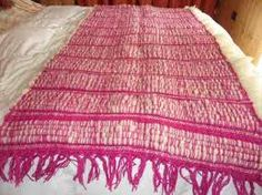 Resultado de imagen para pieceras a telar Beach Mat, Outdoor Blanket, Bed Feet, Loom Knitting, Tejidos