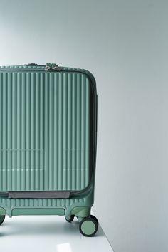 北欧ライフスタイルデザインinnovator スーツケース INV20 コインロッカーサイズ 北欧をイメージしたペールトーンカラーが充実。 #ペールトーン #paletone #北欧 Suitcase, Innovation, Green, Briefcase