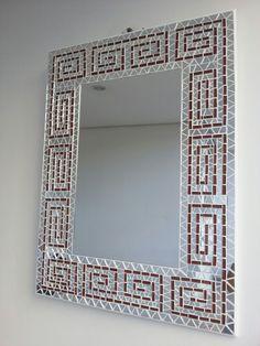 Pinned onto Untitled Board in Category Mosaic Bathroom, Mirror Mosaic, Mosaic Diy, Mosaic Crafts, Mosaic Projects, Mirror Crafts, Diy Mirror, Mosaic Designs, Mosaic Patterns