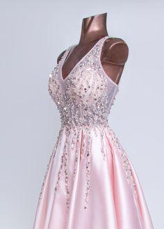 ΦΟΡΕΜΑ ΚΟΝΤΟ ΡΟΖ SWAROWSKI στο eshop.dosi.gr Collections, Formal Dresses, Fashion, Dresses For Formal, Moda, Formal Gowns, Fashion Styles, Formal Dress, Gowns