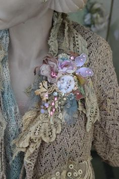 Delicate spring brooch bold ornate brooch antique lace