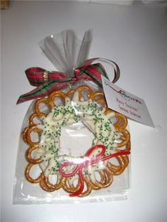From The Hive: pretzel wreath  Christmas goodies
