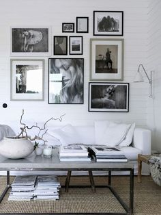 If you want a Scandinavian living room design, there are some things that you should consider and implement for this interior style. Wood as a material has an important role as well as light colors, because they give the living room an atmosphere of fresh Home Living Room, Living Room Designs, Living Room Decor, Picture Wall Living Room, Inspiration Wand, Living Room Inspiration, Interior Inspiration, Pella Hedeby, Gravity Home