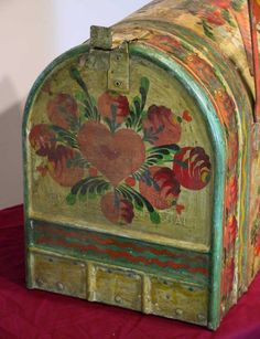 164: Peter Hunt Hand Painted Mailbox : Lot 164