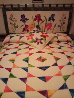 Crea Tus Propias Cabeceras E Inspírate Con Estas Increíbles 13 Ideas. Colchas Quilting, Quilting Projects, Quilting Designs, Sewing Projects, Cute Quilts, Easy Quilts, Hand Embroidery Stitches, Hand Embroidery Designs, Patch Quilt