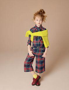 Коллекция детской одежды марки Maëlie предназначена для девочек возраста от 0 до 14 лет. Актуальный дизайн и изысканные детали отличительная черта бренда Maëlie. Утонченный стиль подчеркивает красоту и нежность юных девочек, а для самых маленьких – очаровательная, но в то же время практичная одежда