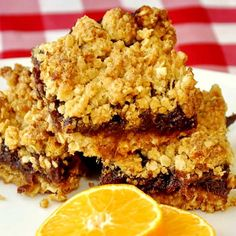 Orange Date Crumble. Think you like traditional Newfoundland date crumble squares? Wait until you try them with the added flavor boost of orange. Just delicious. Baking Recipes, Cookie Recipes, Dessert Recipes, Desserts, Newfoundland Recipes, Date Squares, Orange, Muffins, Rock Recipes