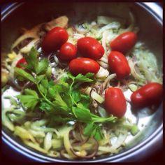 Μεθυσμένο νερό Spaghetti, Ethnic Recipes, Food, Essen, Meals, Yemek, Noodle, Eten