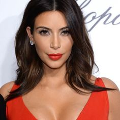 fa8db0707d6 Kim Kardashian worked the trend to perfection at this year s Oscars party.  The Keeping Up