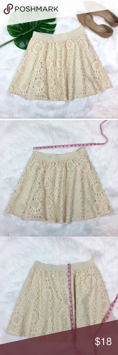 LC Lauren Conrad Cream Lace Circle Skirt LC Lauren Conrad Cream Lace Circle Skirt. Size medium. Measurements are listed in photos. Pre-owned condition with no major flaws.  ❌I do not Trade 🙅🏻 Or model💲 Posh Transactions ONLY LC Lauren Conrad Skirts Circle & Skater