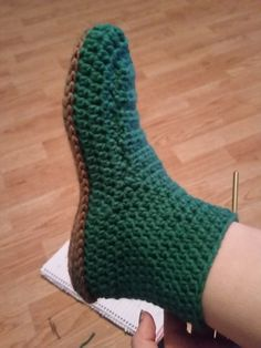 Quick Slipper pattern – Woman, Mate & Mother Easy Crochet Slippers, Crochet Slipper Boots, Knitted Slippers, Slipper Socks, Crochet Shoes Pattern, Shoe Pattern, Crochet Patterns, Stitch Patterns, Knitting Patterns
