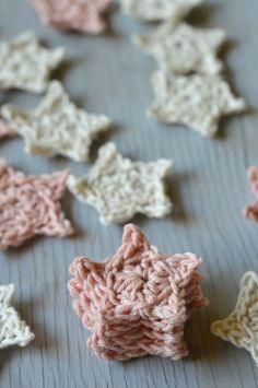 Free Crochet Pattern - Mini Crochet Stars | Use these simple stars for a variety of crochet projects. Very quick and fun to make!