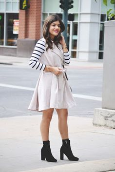 Sleeveless trench coat via @chicwish http://www.chictalkch.com/2015/10/lets-layer-up.html  Chic Talk | Colombian Fashion Blogger | Fashion Style - Inspiration - Trends - Ideas - Tips - Advice