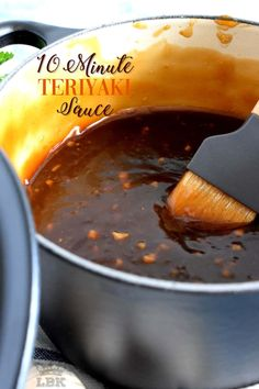 Homemade sauce is always better and you can't beat this 10 Minute Teriyaki Sauce! Chances are you'll have everything you'll need right in your pantry! Best Teriyaki Sauce, Chicken Teriyaki Sauce, Chicken Wing Sauces, Teriyaki Glaze, Homemade Teriyaki Sauce, Sauce For Chicken, Homemade Sauce, Recipe For Teriyaki Sauce, Diet Food To Lose Weight