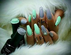 Soft purple and mint green coffin nails nails ! Mint Nails, Gray Nails, Mint Acrylic Nails, Mint Green Nails, Fabulous Nails, Gorgeous Nails, Stiletto Nails, Coffin Nails, Acrylic Nail Designs Coffin