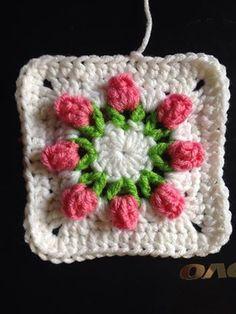 Rose Bud Granny Squares!! Get the free pattern .. http://dearestdebi.com/flower-bud-granny-square