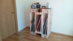 Diy: How To Make a Stylish Shelf From 4 Reclaimed Wooden Pallets