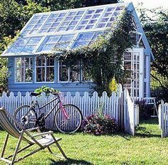 I love this potting shed and would love it more if I painted it in periwinkle blue.