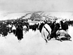Un'immagine della ritirata di Russia che costò la vita a 88mila soldati italiani