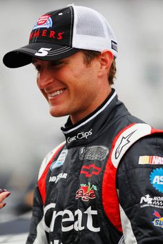 He has such a great smile and the prettiest eyes ever <3 Kasey Kahne