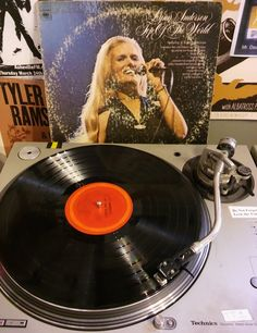 Ultimate Twang Show on AshevilleFM plays classic country like this 1973 Lynn Anderson classic. #LynnAnderson #countrymusic