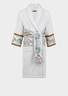Les Étoiles de la Mer Bathrobe by Versace Home. The Les Étoiles de la Mer bathrobe is crafted from soft cotton, and decorated with the print's symbols from the depths of the sea. Versace Bathrobe, Fashion Pants, Love Fashion, Christian Dior, Men's Robes, Cute Sleepwear, Versace Home, Peignoir, Lingerie For Men