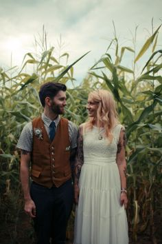 Maine Cornfield Wedding via: Rock N Roll Bride