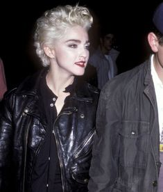 Madonna in New York City, August 1986 Madonna Looks, Madonna Albums, Best Female Artists, Madonna Pictures, Top 10 Hits, Rock Of Ages, Damsel In Distress, Pop Singers, Single Women