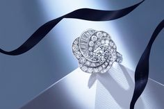 De Beers Aria Colection celebrates a dance of light #NaturalBrilliance
