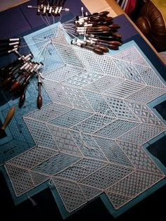 Marietta Monti from book TORCHON by Elke Marx Teaching Patterns, Bobbin Lacemaking, Types Of Lace, Bobbin Lace Patterns, Couture Embroidery, Needle Lace, Lace Making, Fashion Sewing, Lace Design