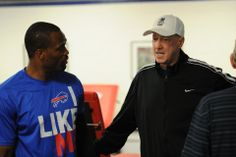 Jim Kelly makes surprise visit to Bills minicamp