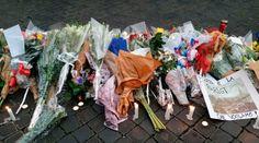Un año de atentados en París: Así reaccionó la Iglesia 13/11/2016 - 11:13 am .- Hace un año el mundo quedó conmocionado. El 13 de noviembre de 2015 a las 21:25 hora local, un grupo de yihadistas retuvo a cientos de jóvenes en la sala de conciertos Bataclán, en París. Allí, los terroristas asesinaron poco después a unas 90 personas, pero en total los  varios ataques perpetrados por el Estado Islámico tuvieron el trágico saldo de más de 130 muertos y más de 350 heridos.