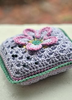 Easy crochet pin cushion