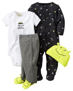 This babysoft cotton set is complete with a sleep & play plus a matching bodysuit, pants and cap to keep him cuddly from head to toe. A perfect gift for his first days home.