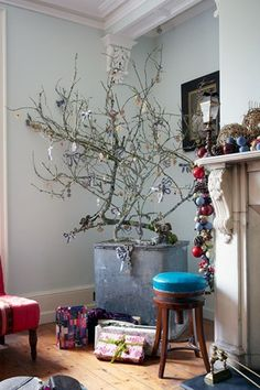 Annabel Lewis V V Rouleaux Cumbria Home   Christmas Decoration Ideas (houseandgarden.co.uk)