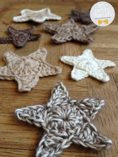 Crochet stars for christmas tree ! Crochet Home, Crochet Crafts, Yarn Crafts, Crochet Projects, Knit Crochet, Diy Crafts, Crochet Stars, Crochet Snowflakes, Crochet Flowers